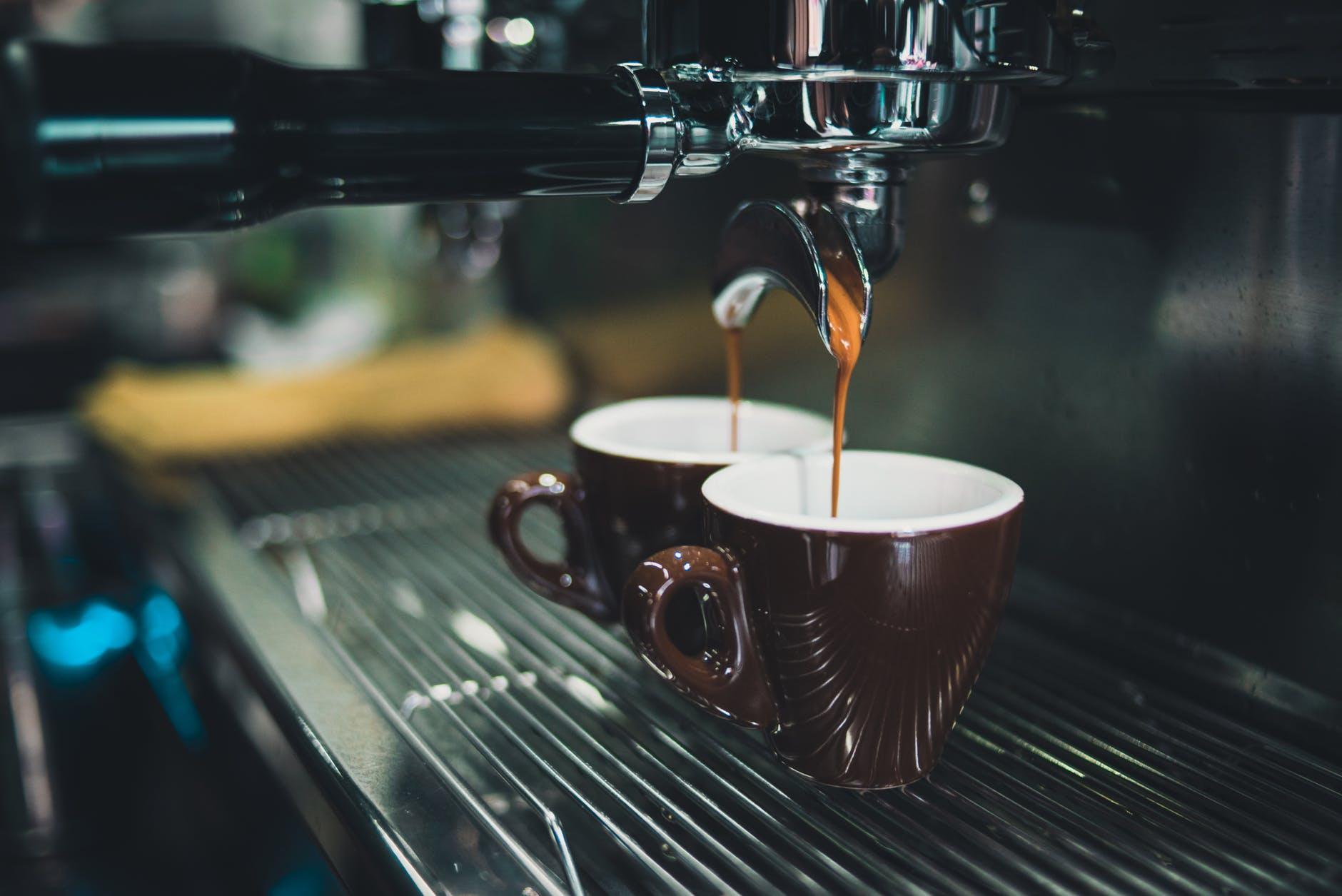 Wpływ kawy na utratę wagi – Właściwości zdrowotne – Skutki Uboczne