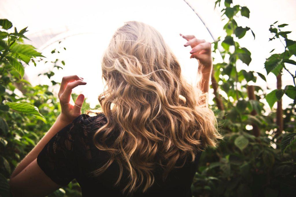 Top 10 Produktów na wzrost i poprawę stanu włosów
