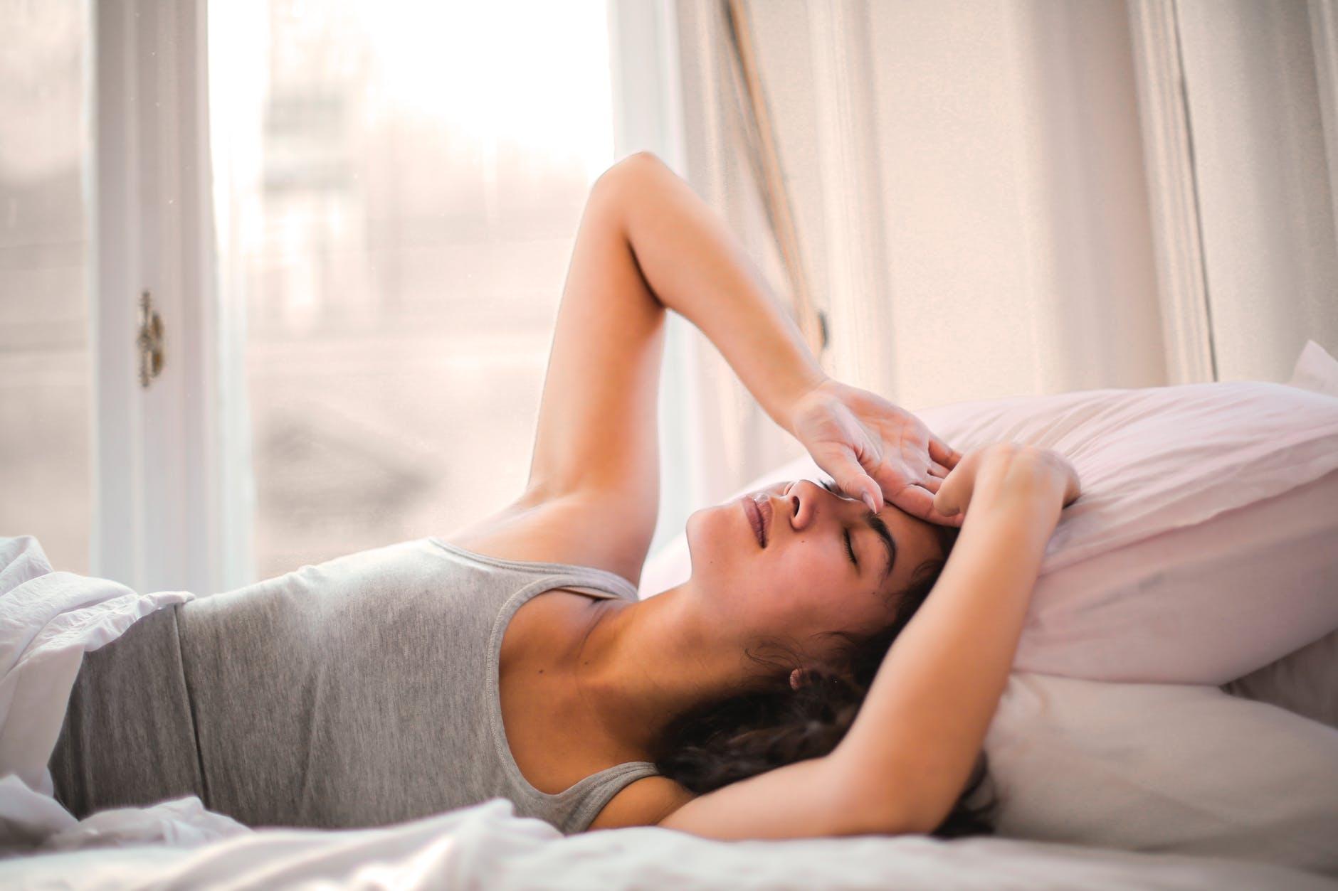 Jak naturalnie pozbyć się bólu głowy? – Sposoby na jego eliminację.